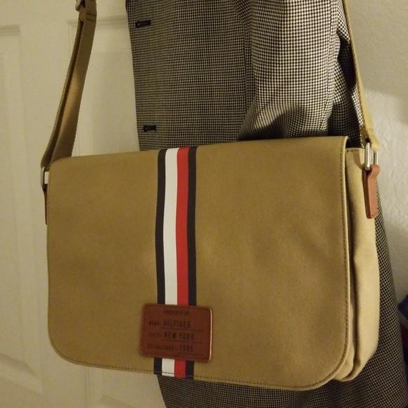 fe3fdace25 Tommy Hilfiger Bags   Messenger Bag   Poshmark